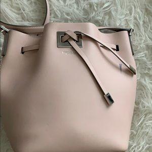 Bucket bag. MK Miranda collection in light pink.